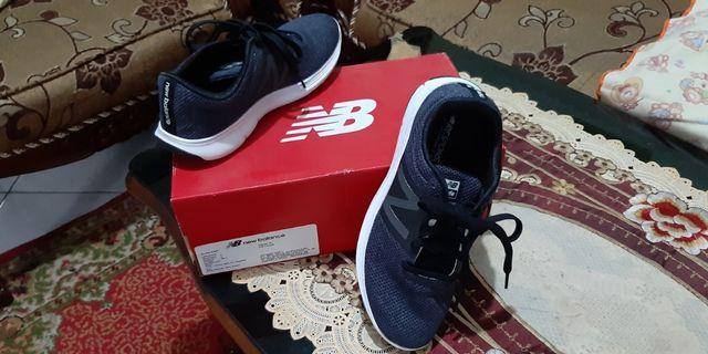 New Balance Sport Shoes Original