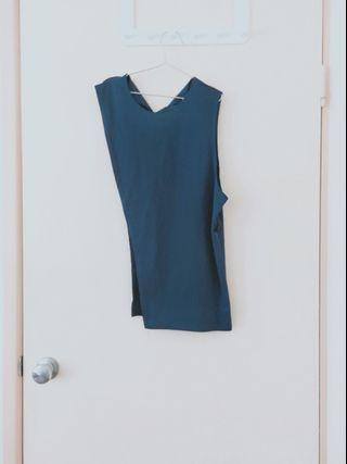 blue top with SPECIAL cutting