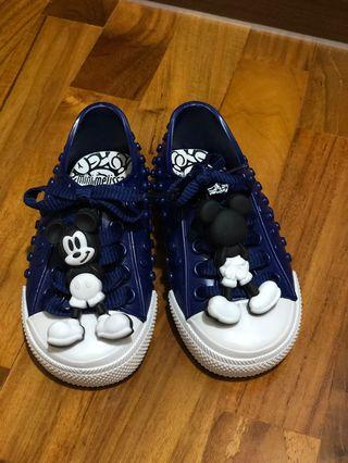 🚚 Mini Melissa Mickey sneakers with box