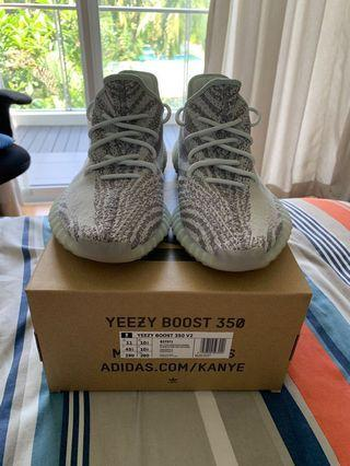 c1b2d4e9 yeezy boost 350 us 10 | Men's Fashion | Carousell Singapore