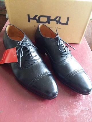 Sepatu Formal Koku