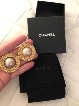 CHANEL Vintage Clip On Earrings with Box