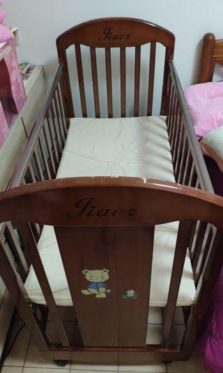 嬰兒床(尺吋約長125寬105高62cm)