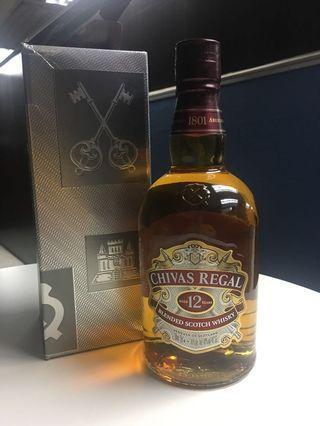芝華仕Whisky (有盒)