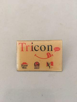 Tricon 章扣針