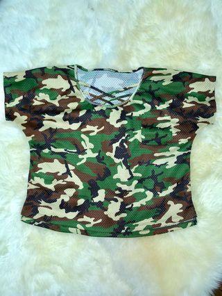 Criss-cross collared camo cropped shirt