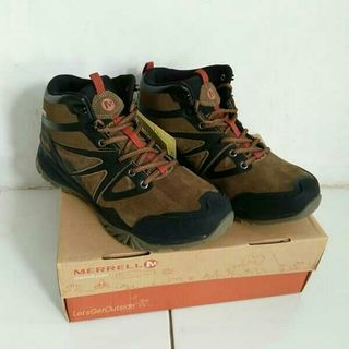 1353c7fbea9 hiking outdoor | Men's Fashion | Carousell Indonesia