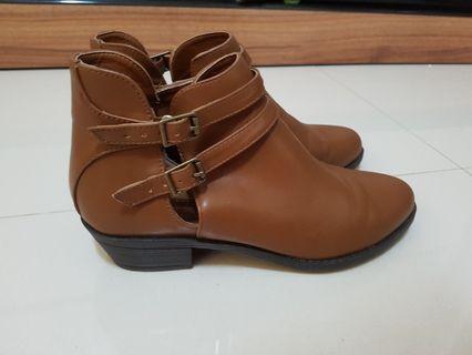 F21 Brown Boots #ENDGAMEyourEXCESS