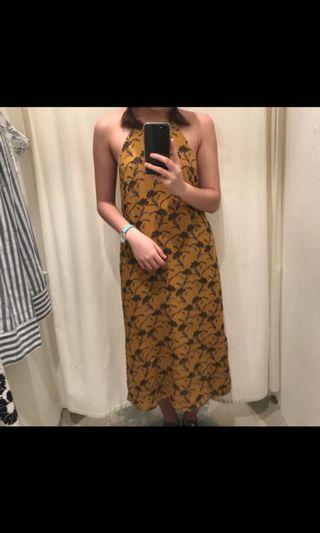 🚚 Tem mustard halter dress BN