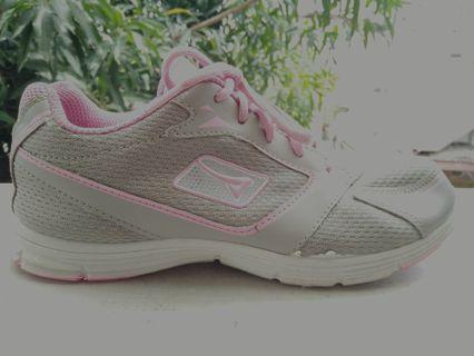 Sepatu Running Ardiles Original