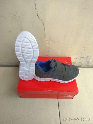 Sepatu Diadora Mirco Jr