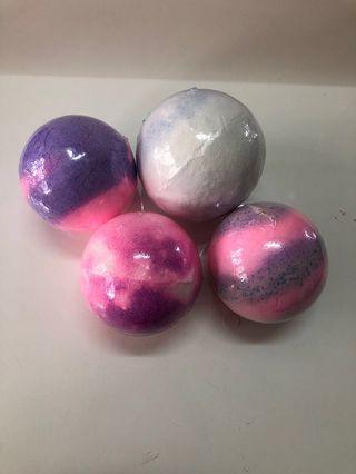 🚚 Organic Bath Bombs