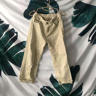 🚚 牛奶白 直筒牛仔褲