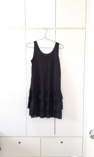 蕾絲黑色背心裙 Lace vest black dress