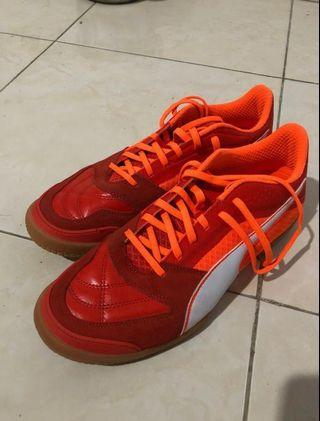 Sepatu Futsal Puma Invicto II