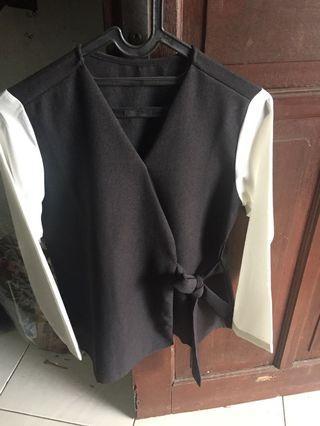 Blouse hitam putih
