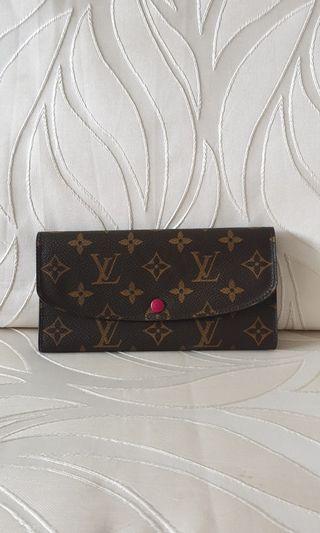 🚚 LV Wallet M60697