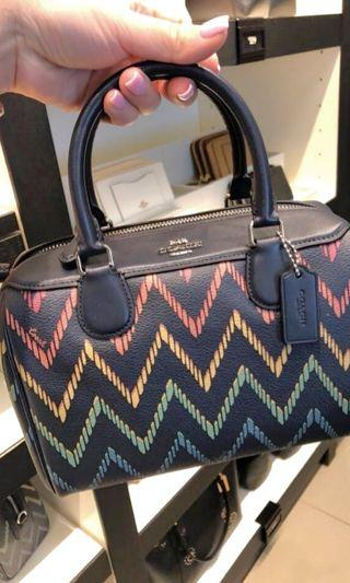 235- INSTOCK FOR MOTHER'S DAY! Coach Mini Bennett with Geo Chevron Design ☆AUTHENTIC☆