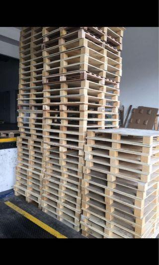 🚚 Wooden Pallets