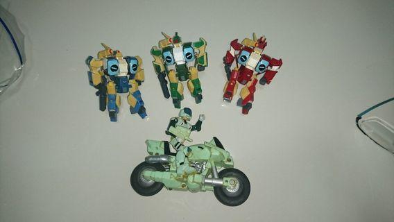 Rare vintage 1980s mospeada macross mororcycle robots figures