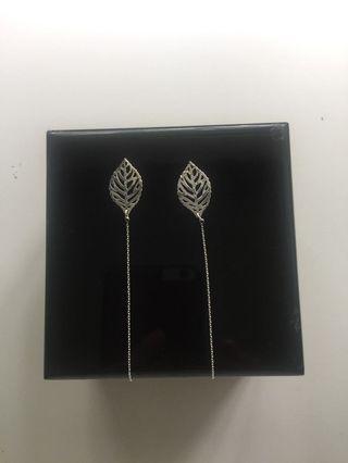 🚚 Threader leaf earrings