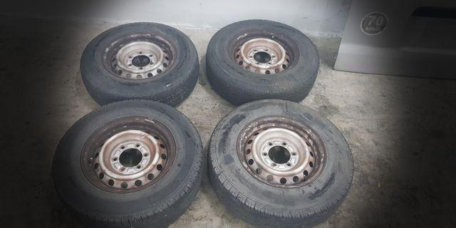Toyota Hiace T-Rim with tyre R15/195
