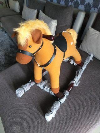 Ayunan kuda anak