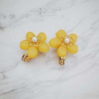 Yellow floral non-pierce earrings
