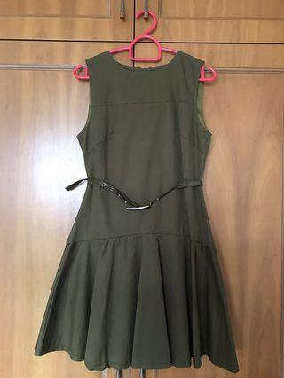 Ohvola dress in Olive