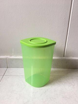 BN Fresh N Cool Tupperware