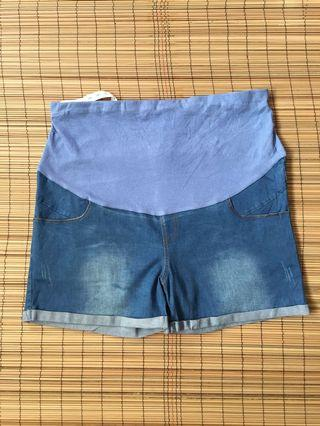Maternity denim shorts 38 inches hipline