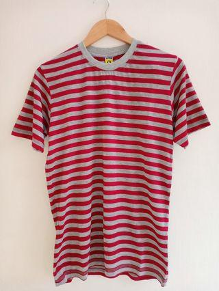 Kaos Stripe Maroon Grey
