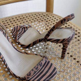 As new Spurr Shoes - multi animal print sandals size 6