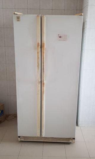 (Still in good condition) White Fridge