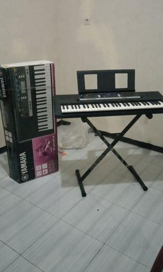 Keyboard Yamaha Orgen PSR E243