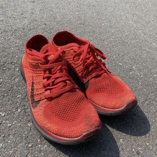 Nike 紅色編織鞋