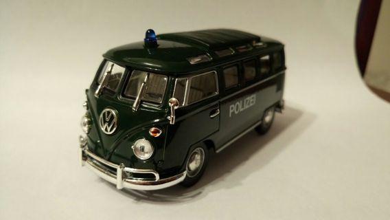 Green volkswagen bus toy 麵包車玩具擺設