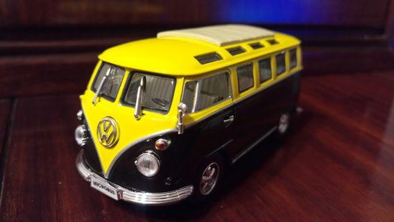 Yellow volkswagen bus toy 麵包車玩具擺設