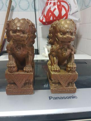 Vintage lion pair (gold)