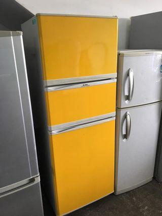 Elba Minion yellow Fridge Refrigerator Peti Sejuk Freezer
