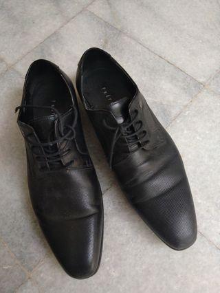 Black Pedro Shoes