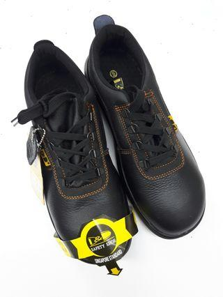 Safety Shoes (HW)