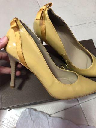 Heatwave Yellow Heels