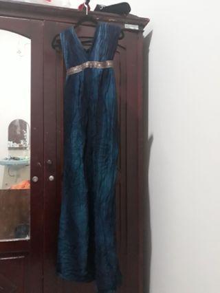 Backless Dress, Gaun Punggung Terbuka untuk Prom atau Pesta