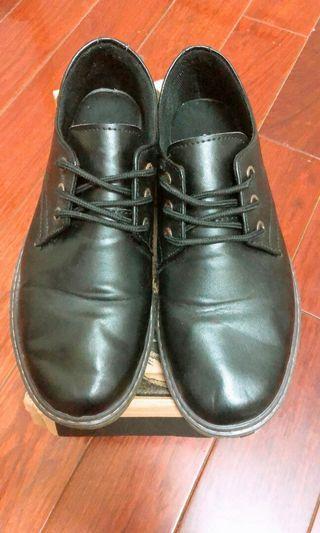 🚚 時尚男皮鞋