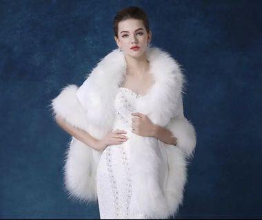 🚚 Woman fur shawl cape Wedding Gown
