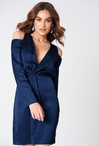 Cold shoulder knot dress BNWT 🔥PRICE DROP🔥