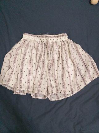 白色圖騰短褲裙