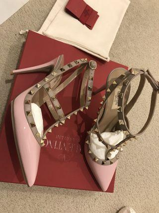 $1220 Authentic Valentino Rockstuds Heels Poudre
