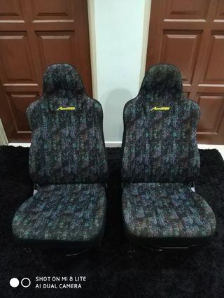 Seat kancil mira l502 yellow tag